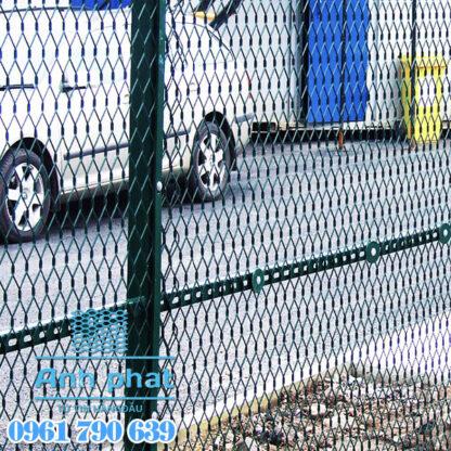 lưới thép hình thoi làm hàng rào
