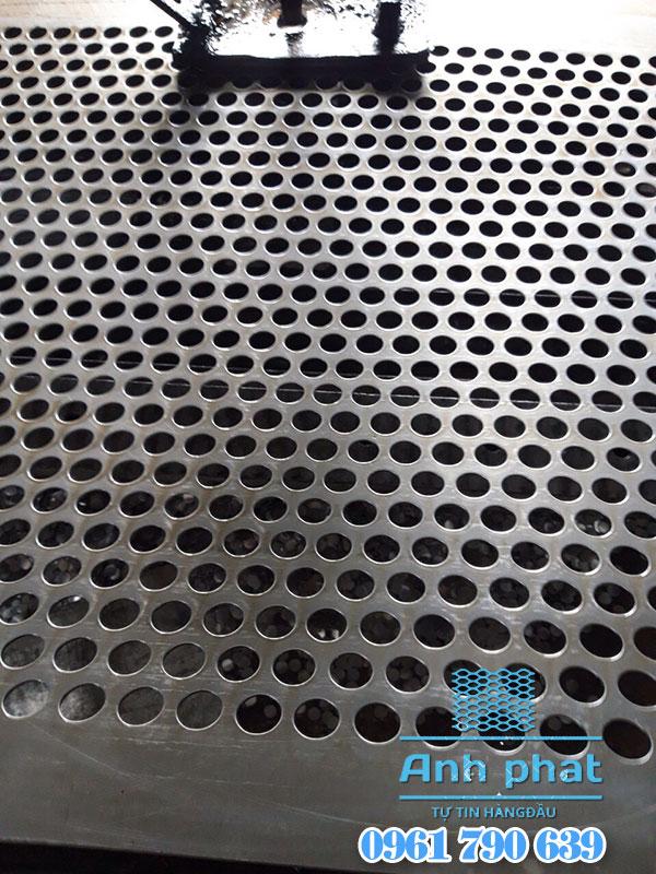 lưới thép đục lỗ tròn